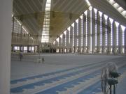 Inside_Shah_Faisal_Mosque