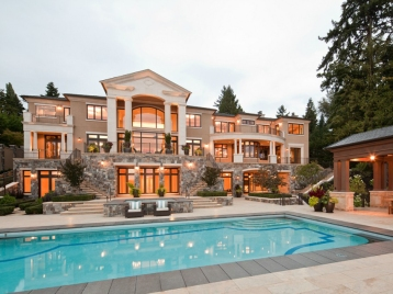 house-of-the-day-an-189-million-mansion-on-mercer-island-with-a-private-beach-and-boat-access