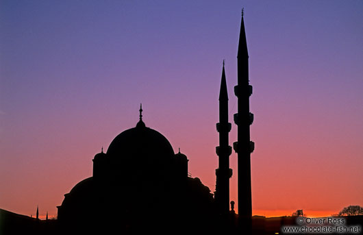 Istanbul-Mosque-silhuette-sunset